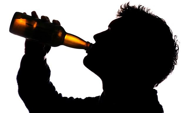 『平日はあまり飲まないようにしています。』を英語でどうぞ